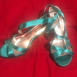 Nina New York Teal Satin sandals w/sparkle trim!